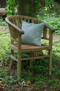 Stuhl unbehandelt, Holzöl, Holzpflege, möbelpflege, natürliche öle für holzbehandlung