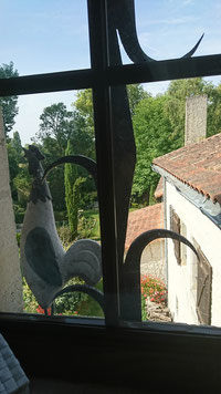 Vue de la fenêtre de la salle de bains