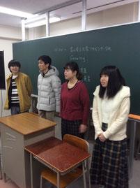 大学や大学生活について語る学生