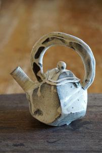 陶芸作品 陶芸家 ブログ 料理 女性陶芸家 茨城県笠間市 粉引き作品 ポット 注器 陶器 どびん