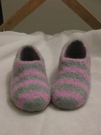 Filzhausschuhe für Kinder Groesse 31 rosa grau gestreift