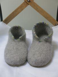 Filzschuhe für Damen Groesse 38,5 mit buntem Steg Unikat nicht in anderen Größen lieferbar