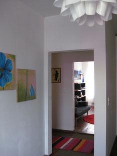 Mit Schlafzimmer, Wohnzimmer, separates Esszimmer, Küche,Bad mit Dusche und Waschmaschine - alles komplett ausgestattet