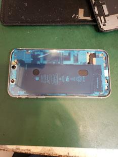 iPhone11フロントパネルシール取付