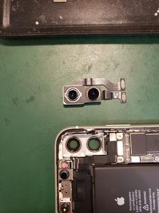 iPhone11カメラ取り外し