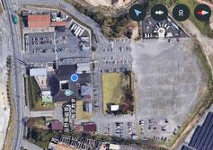 無料駐車場800台完備