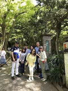 鎌倉文学館の門。これから7人で楽しみま~す(^^♪
