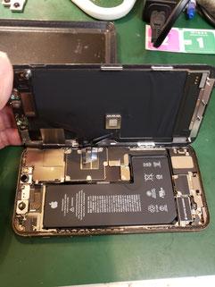 iPhone11PRO画面取り外し