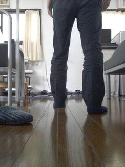 美脚を崩す歩き方
