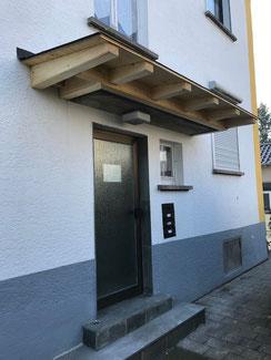 Erweiterung bestehendes Beton Vordach in Balingen. Bedachung folgt mit Stehfalzblech.