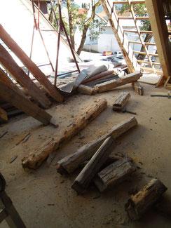 Abruch der maroden Hölzer auf der Baustelle in Albstadt Tailfingen