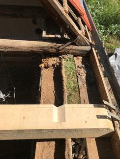 Reparatur der Tragwerksbalken an einem Bauernhaus in Balingen.