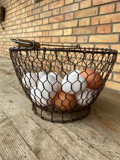 frische Eier vom petershof Kärselen bei Thun