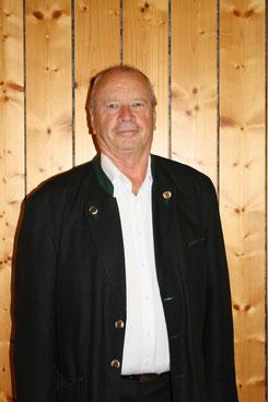 Herr Kommerzialrat Gerhard Wohlmuth  ist Gemeinderat in der Gemeinde Kitzeck im Sausal und gehört der Fraktion der ÖVP an