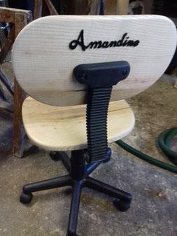 Chaise personnalisée , en bois de frêne.CCL ébéniste