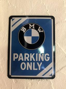 Salle de BMW (Veuillez cliquer sur la photo, s'il vous plaît!)