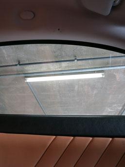 アルファロメオGT、助手席側の天井の煙草焦げ穴(タバコこげ穴)リペア(補修・修理・修復)前の写真