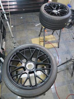 ポルシェ911タルガ4GTSの純正アルミホイールのガリ傷・すりキズのリペア(修理・修復)後のホイール写真