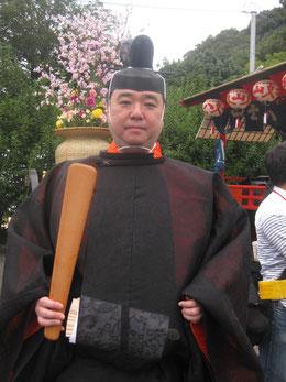 恐れ多くも徳川宗家当主徳川家広殿にカメラを向けたところ、ポーズをとって下さった。