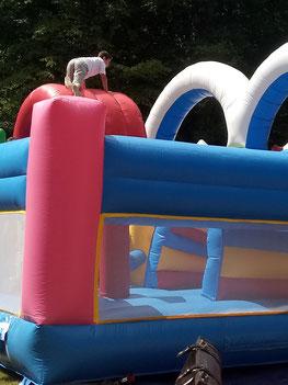 location chateau gonflable anniversaire enfant