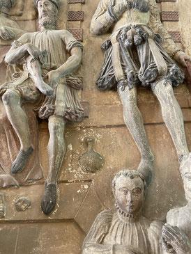 relief of a bocksbeutel silvaner bottle
