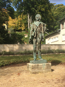 statue van gogh auvers parc