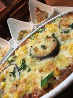 旬野菜(ナス、オクラ、とうもろこし)のミートドリア(7月24日予定)