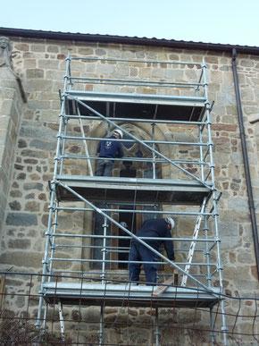 Dépose en cours des vitraux à Roche (42) - Ent. Thomas Vitraux.