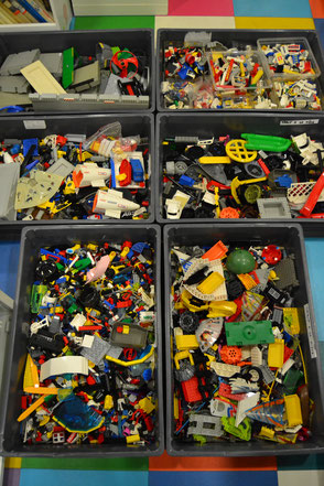 pieces detachees LEGO, vintage , vegetation, city, rails,