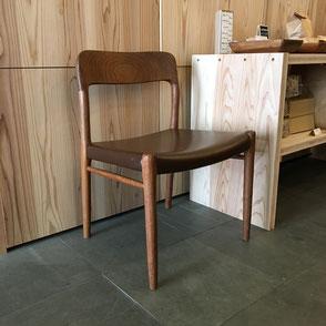 北欧デザインの木のチェア。大阪府吹田市の木の家ならWASH建築設計室。