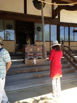 中山駅から歩いて「慈眼寺」へ     慈眼寺は江戸時代から続く古刹で観音霊場だったそうです。
