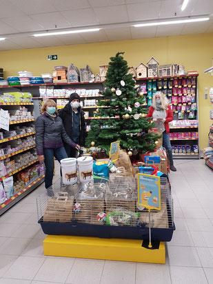 Weihnachtstüten-Abholung, Foto: Oetken