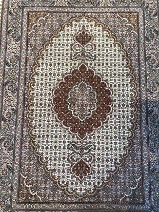 ペルシャ 手織 マット 絨毯 東京デザインセンター 栃木県家具 鹿沼市 東京インテリア ショールーム