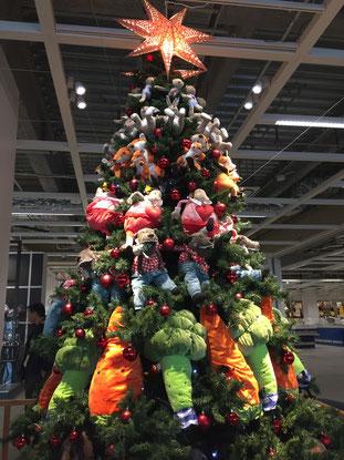 神戸IKEAのクリスマスツリー