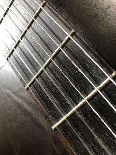 錆びた低音弦