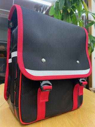 ランリックⅡ 黒色×赤色 前面