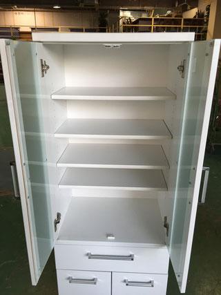 食器棚上段