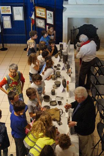 Une classe de l'école de Vaux-sur-Mer, accueillie par Wladimyr Gényk à la salle Equinoxe