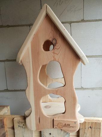 Vogelhaus, Unikat  aus der Holzwerkstatt von ASH-Sprungbrett e.V.
