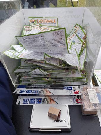 Teilnehmerkarten  DogWalk 2019, Foto: Oetken
