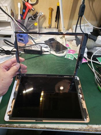 iPad6ガラス取り外し