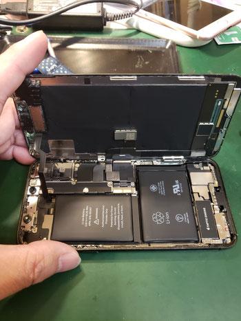 iPhoneXディスプレイ取り外し