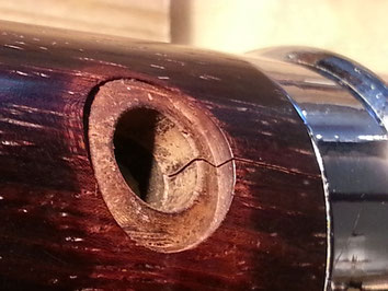 Acoustique & Mécaniques procède à la réfection des fissures sur les bois