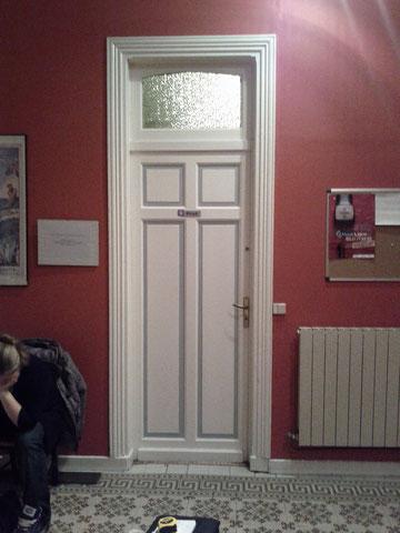 Fabrication d'une porte pour une maison de maitre