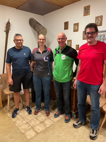 v.l. Barcli Venzin, Cornelia Kuhn-Dätwyler, Peter Färber, Marinus Foppa - es fehlt Bernhard Lampert