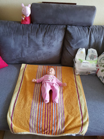 Wickelplatz auf dem Sofa