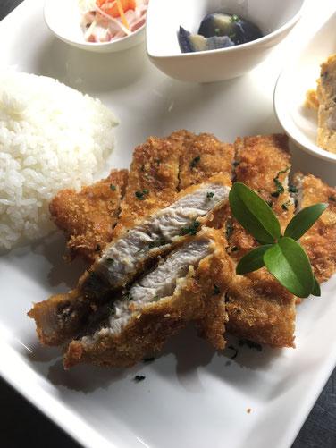 豚ロースとんかつ&ライス~粗挽きパン粉・自家製とんかつソース~ (8月18日予定)
