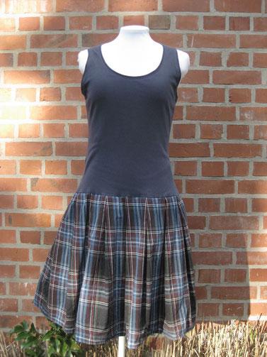 copyright www.birthe.eu Birthe Sülwald teilkonfektioniert Kleid ohne Schnitt