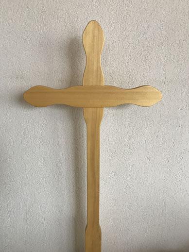 Kreuzform geschweift (Tanne)