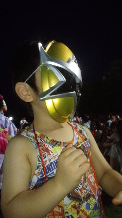 お祭りを楽しむ社長の子供